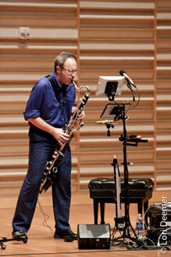 Michael Lowenstern in recital.
