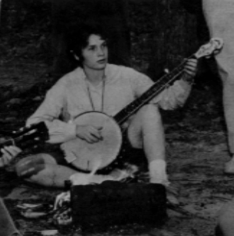 Laurie Spiegel playing a banjo