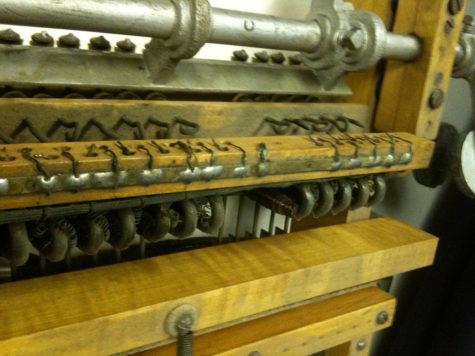 Organ Console Remnants. Photo by Brownpau (www.flickr.com/photos/brownpau/)