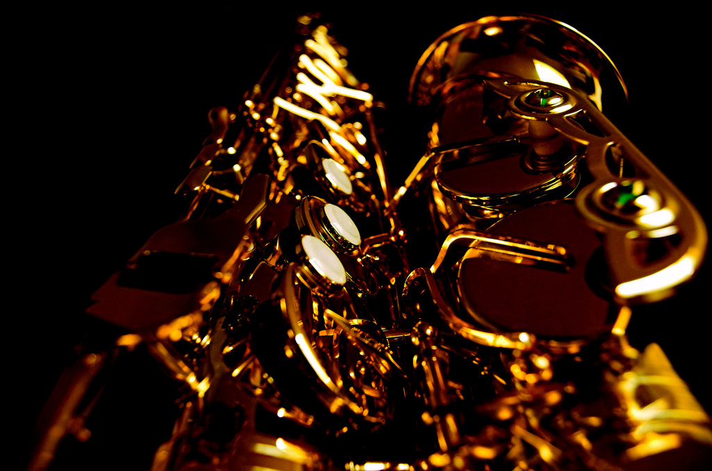 Side view of a saxophone