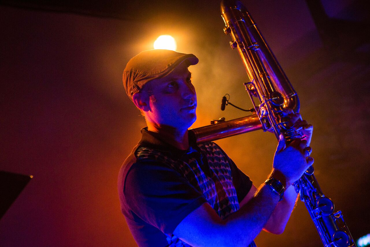 Ned McGowan and his amazing contrabass flute. (Photo by Eric van Nieuwland.)