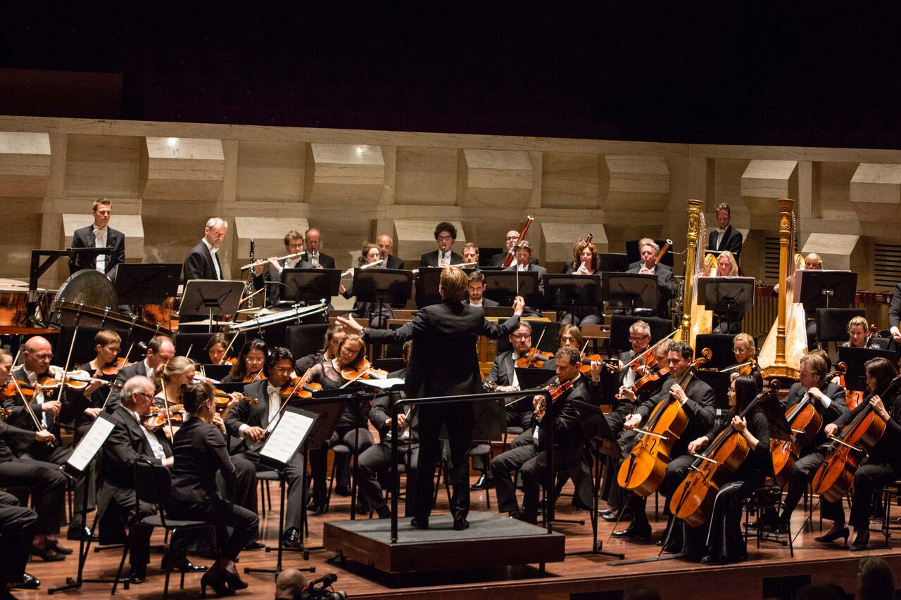 Rotterdam Philharmonic, conducted by Bas Wiegers, performing in De Doelen's Grote Zaal. (Photo by Eric van Nieuwland.)