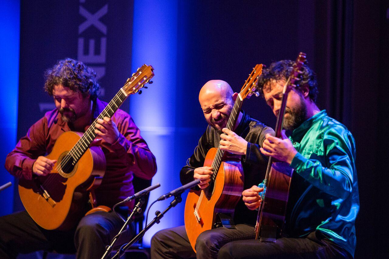 The guitar Trip Trip Trip (Guillermo Bocanegra, Camilo Giraldo Ange, and César Quevedo Barrrero) in performance (Photo by Eric van Nieuwland.)