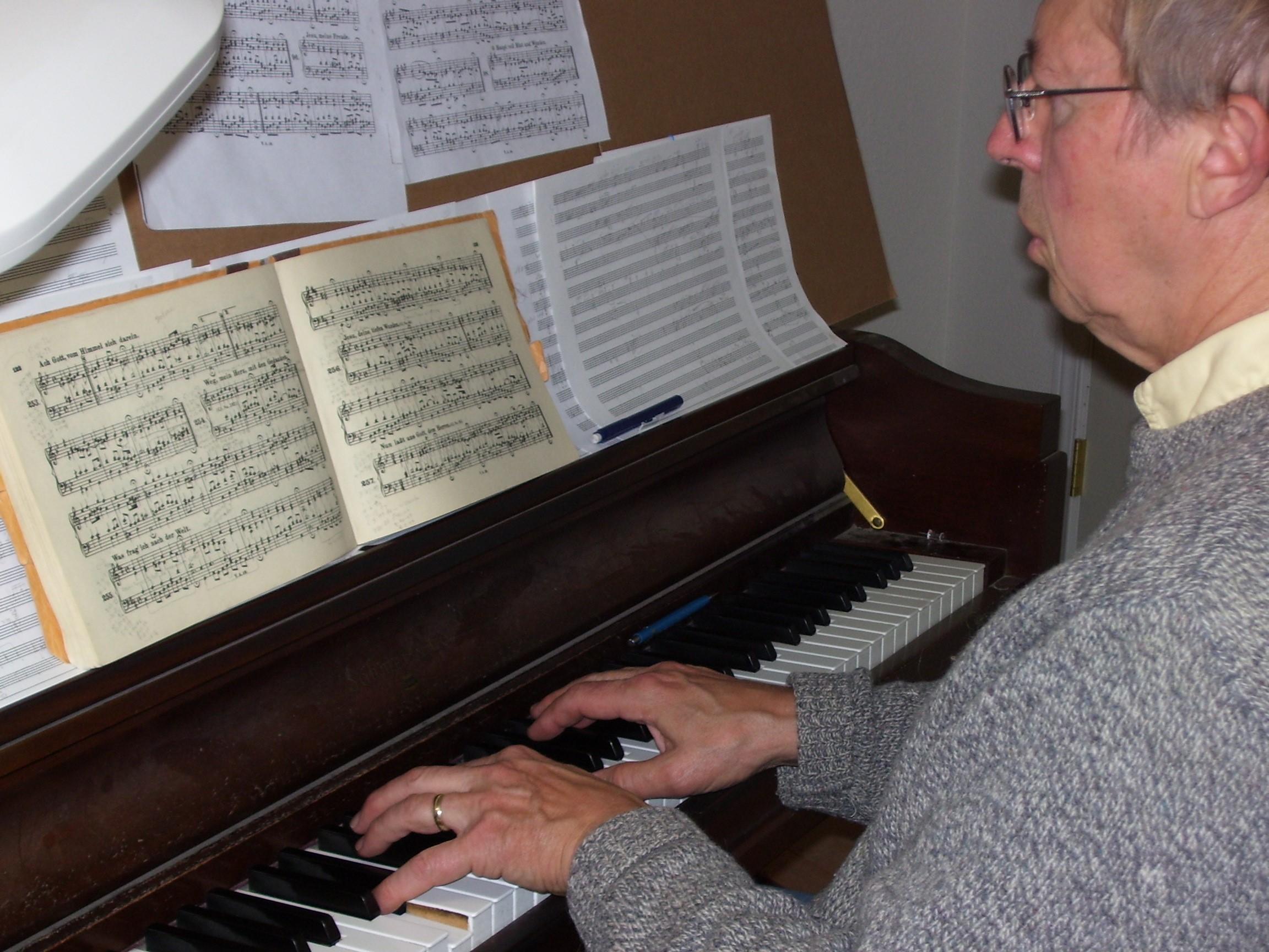 David at the piano in Missoula, Montana,  in June 2008.